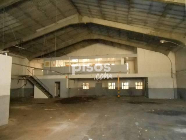Nave industrial en alquiler en Calle Vic, Parc Central (Sant Cugat del Vallès) por 3.000 €/mes
