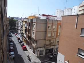 Piso en calle Almonaster La Real
