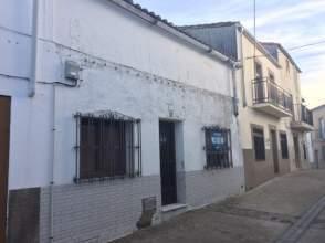 Casa adosada en Montánchez