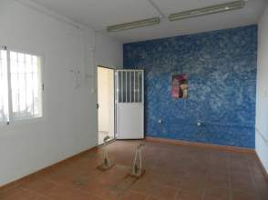 Casa pareada en Avenida Alfaguara, nº 145