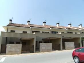 Casa adosada en calle Baragitoa