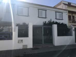 Casa en calle Miguel Kimbo Calderín