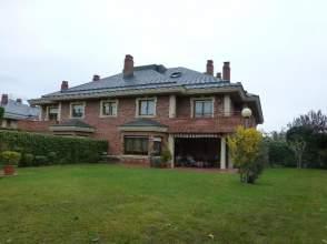 Casa adosada en Armentia