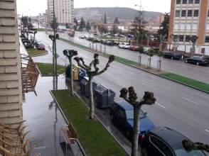 Piso en calle Avda.Cantabria