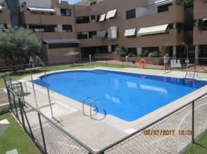 Alquiler de pisos y apartamentos en corralejos distrito for Piscina barajas
