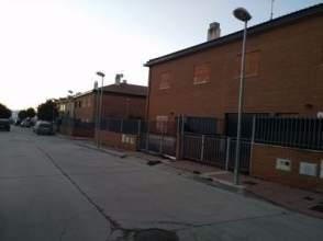 Chalet adosado en calle Palencia