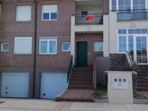Casa adosada en calle Felicidad nº 125, nº 125