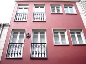 Casa adosada en calle Pasarón y Lastra, nº 16