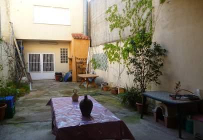 Chalet adosado en calle 25 de Abril