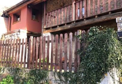 Casa en calle Bustiello