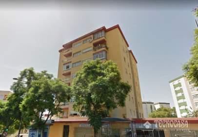 Piso en Avenida General Lopez Dominguez