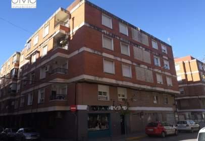 Piso en calle Escalona