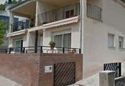Casa adosada en calle de Bergueda, nº 8