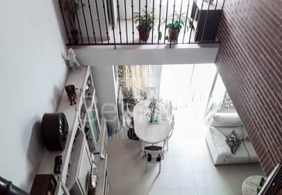 Casa adosada en Nueva Segovia/ Plaza Toros