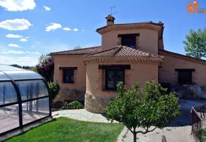 Casa unifamiliar en calle Presa del Molino, nº 9