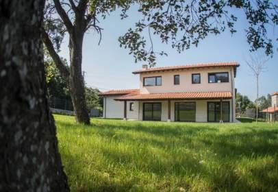 Casa en calle Nemesio Sobrino