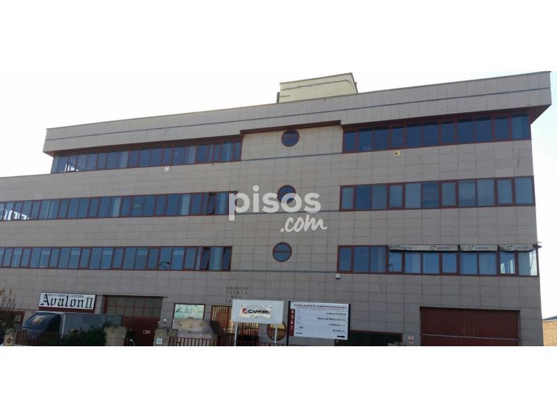 Oficina en venta en avenida industria n 53 en for Compartir piso alcobendas