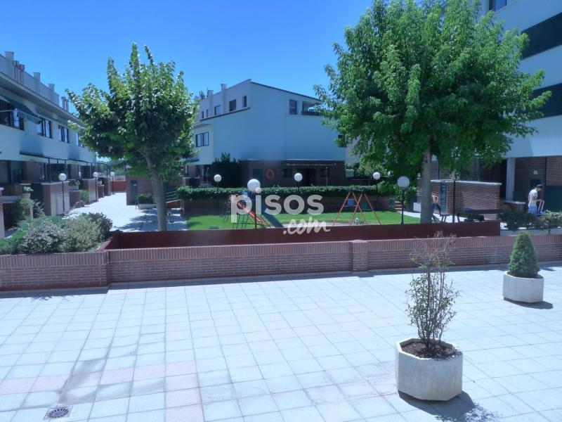 D plex en venta en calle ignacio serrano n 1 en las for Pisos covaresa valladolid
