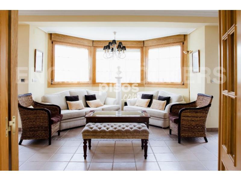 Casa en venta en calle madro o en las villas covaresa for Pisos covaresa valladolid