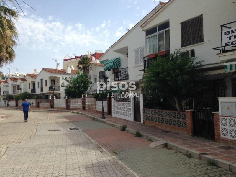 casa adosada en venta en torremolinos la carihuela en la