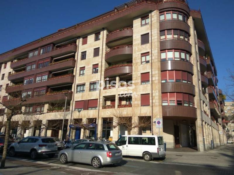 Garaje en alquiler en calle jos maria sert plaza en for Alquiler piso donostia antiguo