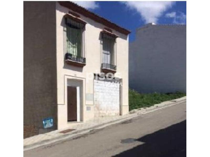 Casa adosada en venta en calle carlos cano n 12 en - Pisos en estepa ...