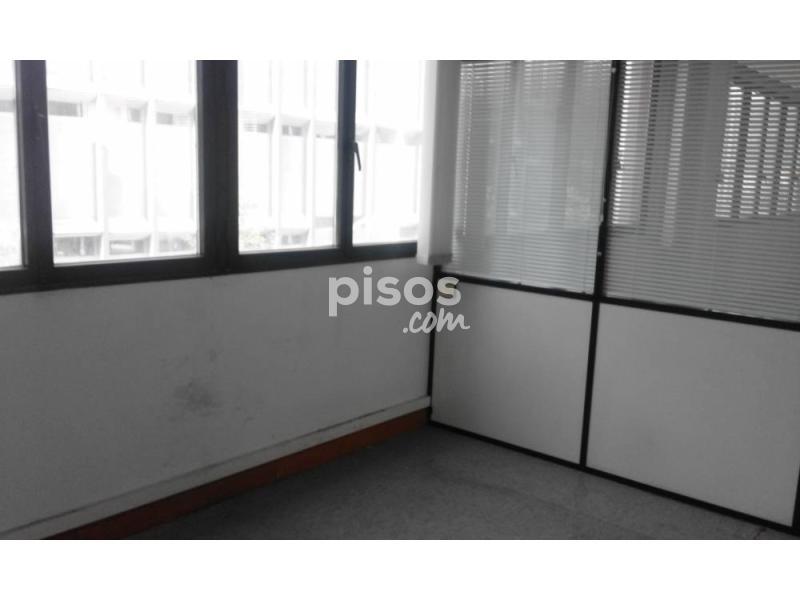 Oficina en alquiler en deusto en doneperiaga deustuibarra for Chimenea fundicion pisos alquiler deusto