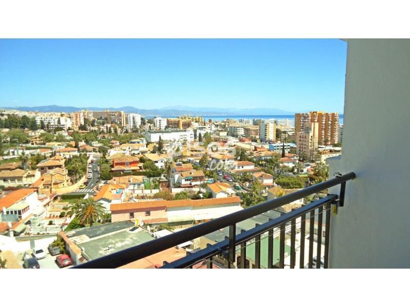 Apartamento en venta en puerto marina en puerto marina por for Apartamentos puerto marina