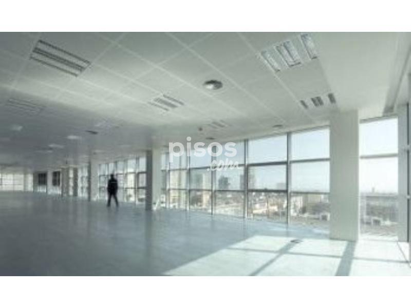 Oficina en alquiler en calle edifici noga en diagonal mar for Oficina habitatge sant marti