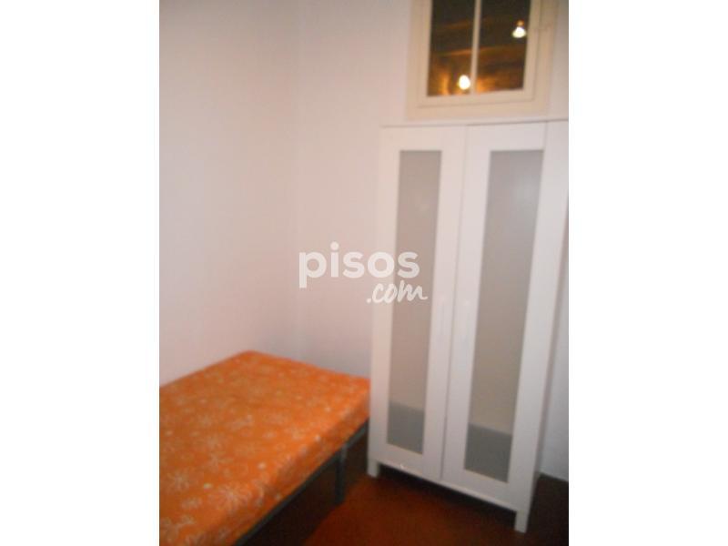 Habitaci n en alquiler en calle consell de cent n 85 bis en el barri g tic por 250 mes - Habitacion para alquilar en barcelona ...