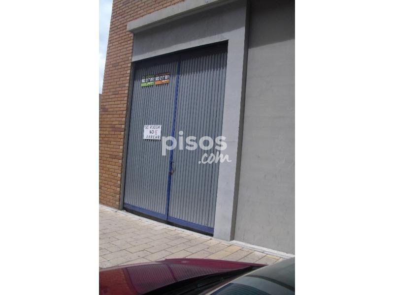 Local comercial en alquiler en calle curue o en las villas for Pisos covaresa valladolid