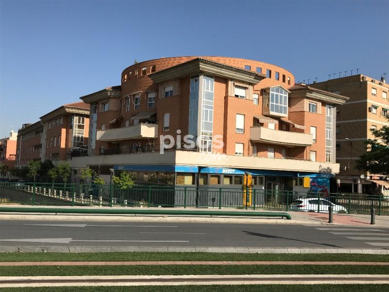 Oficina en venta en avenida santa rosalia en campus de la for Oficina de extranjeria avenida de los poblados