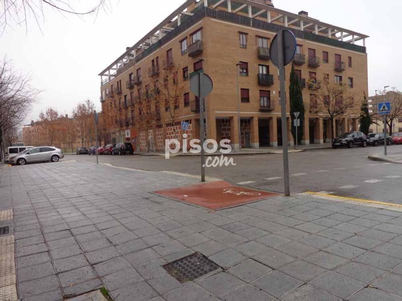 Local comercial en alquiler en calle alemania en centro for Pisos alquiler azuqueca
