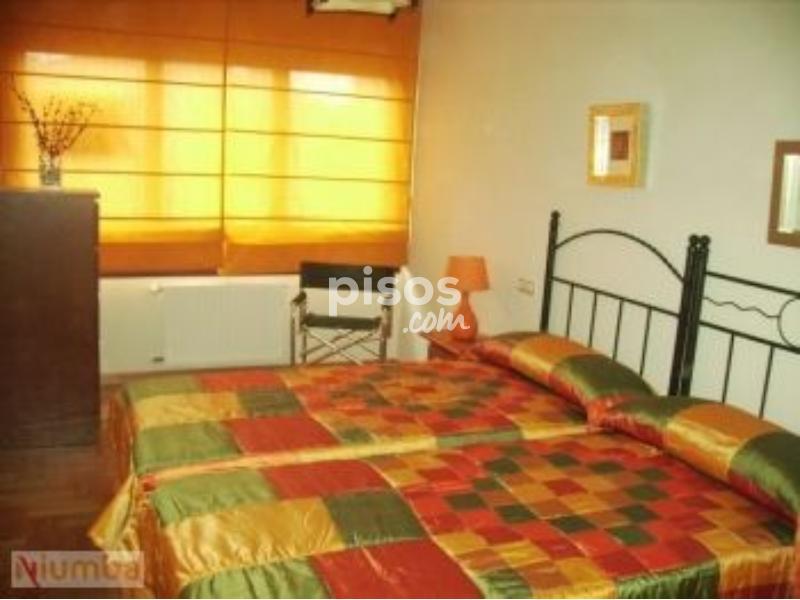 Pisos y habitaciones de alquiler en llanes for Llanes habitaciones