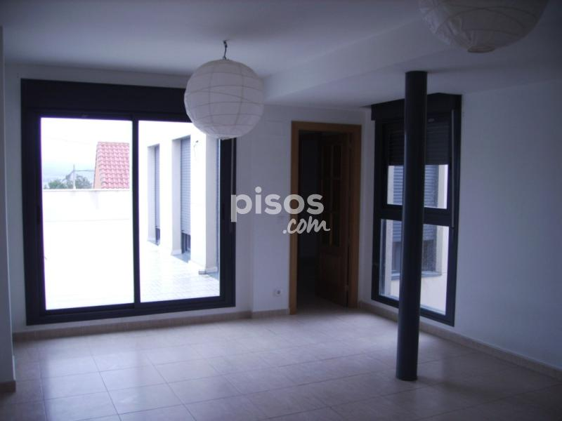 Apartments and rooms to rent in Escatrón