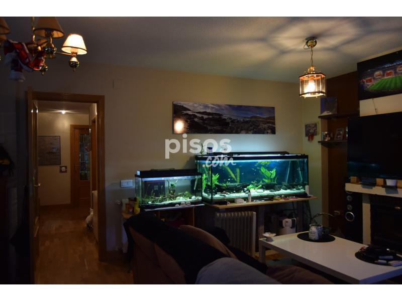 Chalet adosado en venta en calle jacaranda n 35 en - Alquiler pisos velilla de san antonio ...