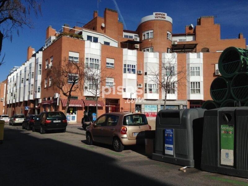 Locales ypz de garajes en madrid en valdezarza for Alquiler pisos valdezarza